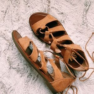 Steve Madden} Suede Strappy Sandals